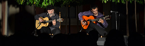 Javier Conde y su padre deleitaron a los asistentes al concierto