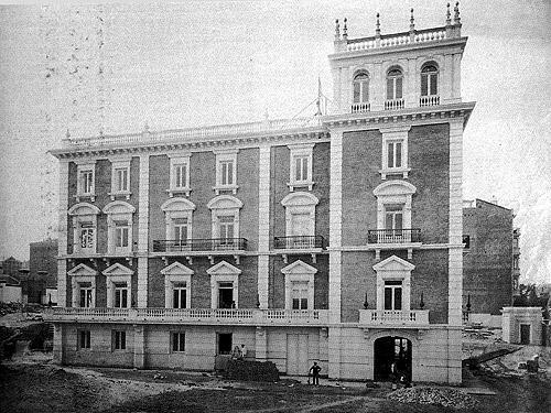 Foto de la construcción del Palacio que luego sería el Museo Lázaro Galdiano