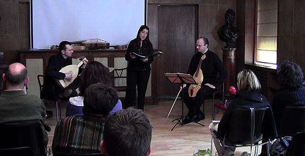 """María Sala Pérez, Pablo y Alejandro Baleta presentaron """"El canto de las vihuelas"""" en la Fundación Lázaro Galdiano"""