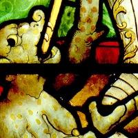"""Vidriera con """"San Miguel pesando las almas"""" del Museo Lázaro Galdiano"""