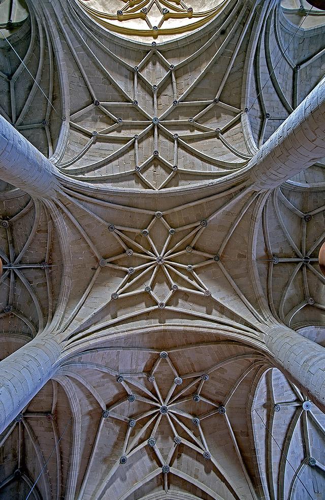 Bóvedas de la nave central de la Iglesia de Santa María, Fuenmayor.