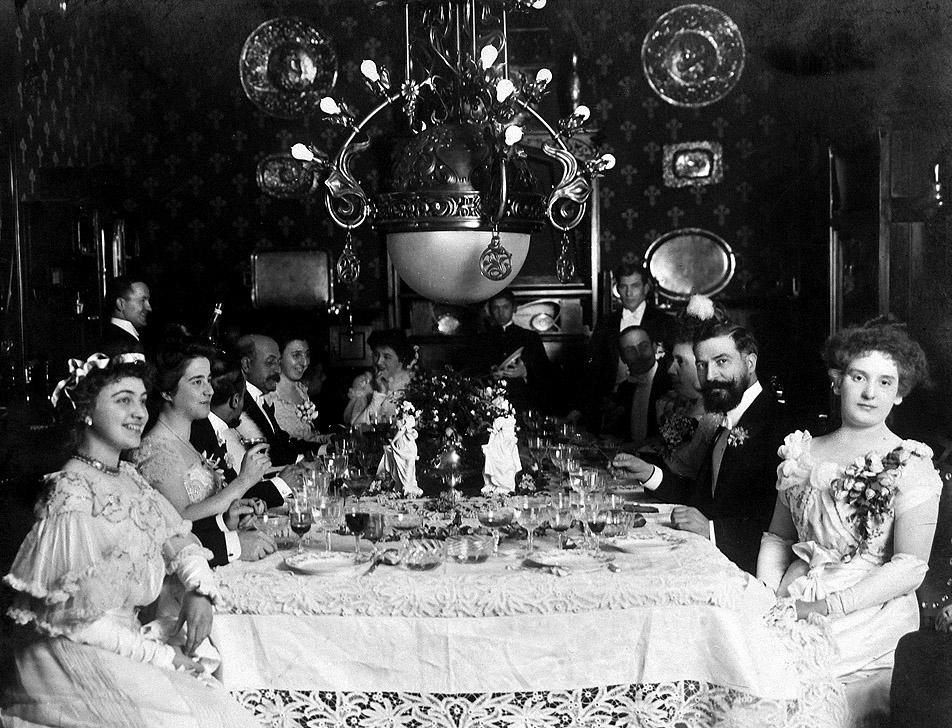 Banquete de principios del siglo XX con la presencia de José Lázaro Galdiano