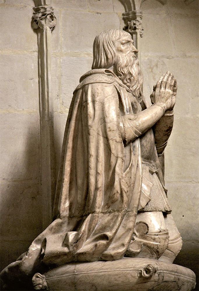 Gregorio Bigarny Pardo: bulto funerario de Juan Fernández Pacheco en la capilla mayor de San Bartolomé (lado del Evangelio), 1543-1547, Belmonte (Cuenca).