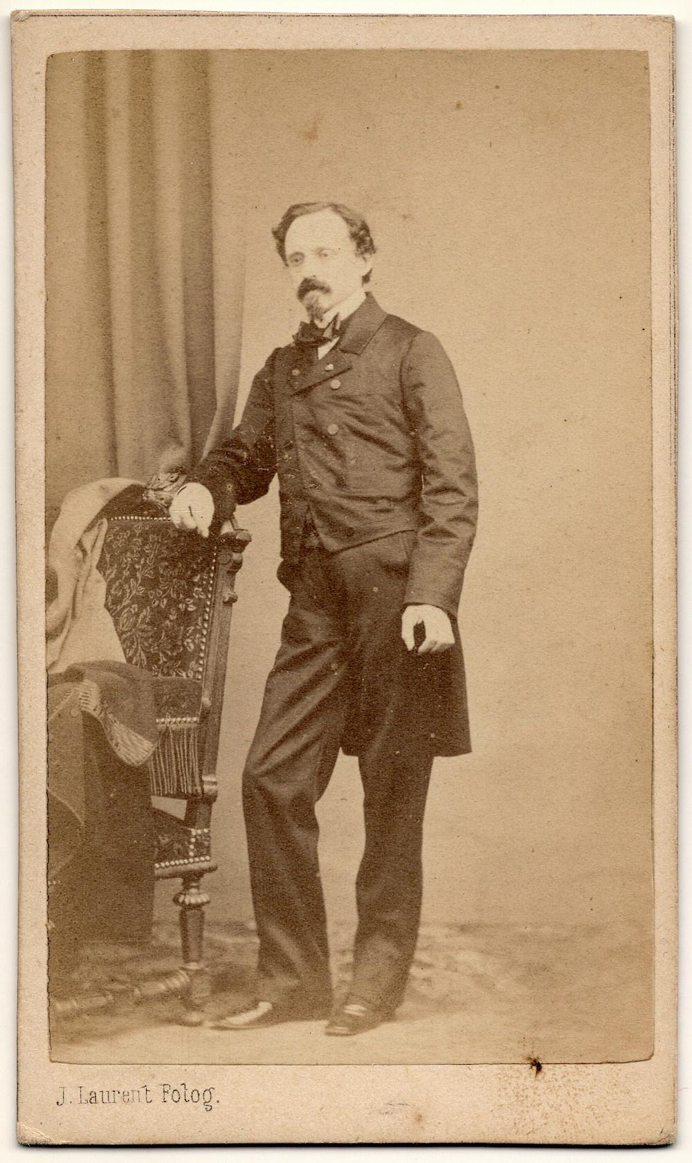 Federico de Madrazo fotografiado por J. Laurent. Colección de Emiliano Cano