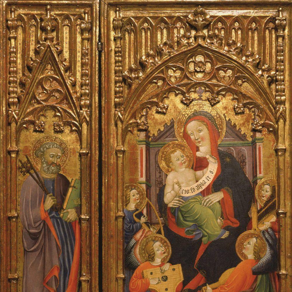"""Tríptico gótico español (hacia 1400-1410) de madera tallada, policromada y dorada y hierro forjado. Obra: """"Virgen con el Niño y ángeles músicos"""" de Juan de Sevilla (1400-1410)."""