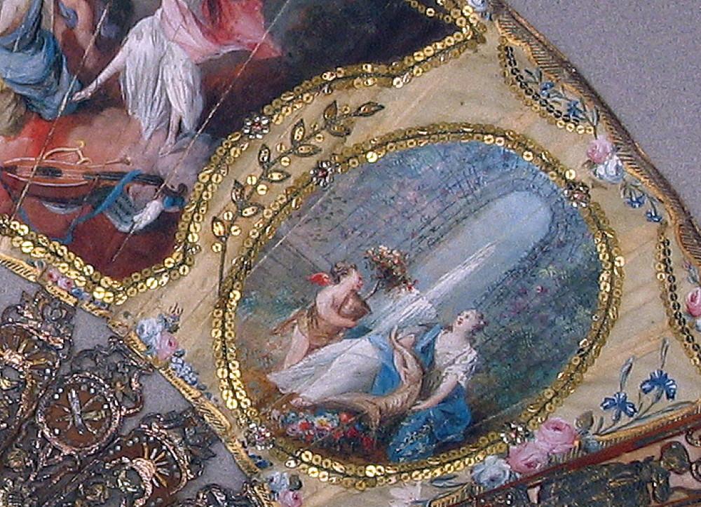 FIGURA 3. País de tela pintado con aplicaciones de lentejuelas.