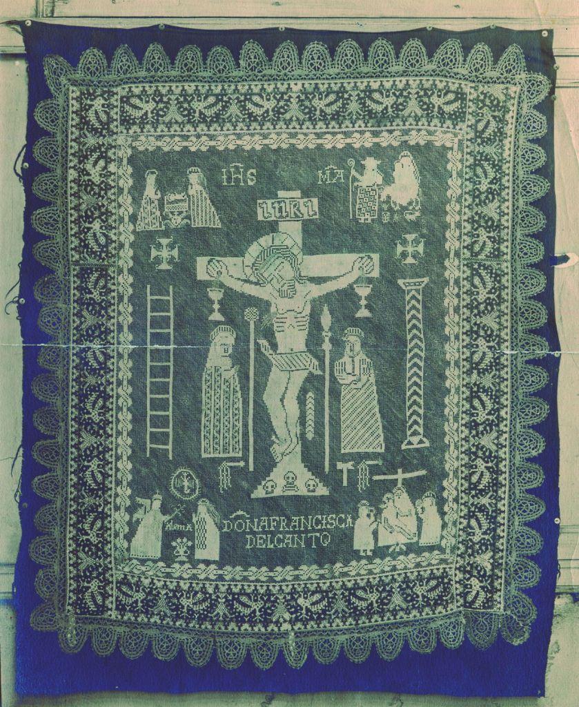Encaje bordado sobre lana (pieza nº 18) enviado por José Weissberger a Alice Baldwin Beer a través de Wolf Donndorf. Fotógrafo desconocido, Yale University Library.